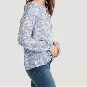 LUCKY BRAND Eloise Printed Peasant Top in Blue